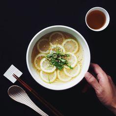 """Japanese """"Nyumen"""" Soup of somen noodles. 夏の残り物そうめんがあったのでにゅうめんを作ってみました そうめんは冷たい派ですか温かい派ですか 僕はどっちもありですが妻は頑なに冷たい派です by utosh"""