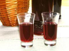 Nalewka ukraińska | Palce Lizać Beverages, Drinks, Irish Cream, Pint Glass, Vodka, Food And Drink, Cocktails, Tasty, Cooking