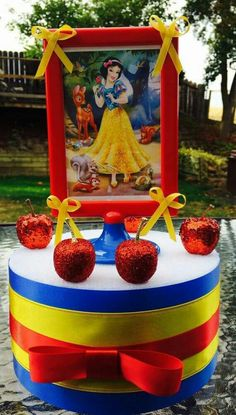 Snow White birthday centerpiece by on Etsy White Party Decorations, Snow White Birthday, Second Birthday Ideas, Birthday Centerpieces, Disney Princess Party, 4th Birthday Parties, Baby Shower Parties, Party Themes, Party Ideas