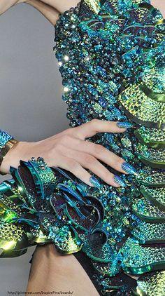 Blue Mermaid corset and nails @TimeTravelStyle #timetravelcostumes