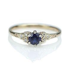 http://rubies.work/0466-sapphire-ring/ Replica Art Deco Sapphire Engagement ring - 3188-03 anillos de compromiso   alianzas de boda   anillos de compromiso baratos http://amzn.to/297uk4t #fineweddingring #amazingrings
