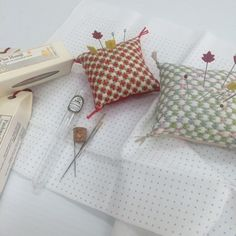 BebeBold instagram: Hitomezashi (one stitch) Pin cushions. One as Christmas gift which is just around the corner! Quick and easy to make.