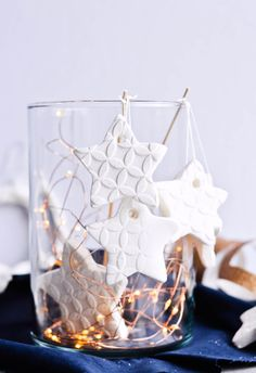 Simple tutorial for homemade scented baking soda ornaments. Easy to make, affordable ornaments that are snow-white and just the perfect personal touch for Christmas. Scented with cinnamon and orange oils! | mitzyathome.com