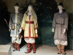 magyar Historical Costume, Historical Clothing, Folk Costume, Costumes, Hungarian Embroidery, Family Roots, Scandinavian Art, Medieval Clothing, Mongolia