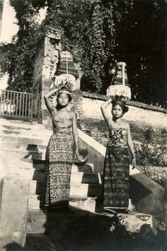 Ideas history photos indonesia for 2019 Vintage Photos Women, Vintage Pictures, Vintage Photographs, Vintage Images, Teaching American History, American History Lessons, Indonesian Art, Indonesian Women, Asia Map