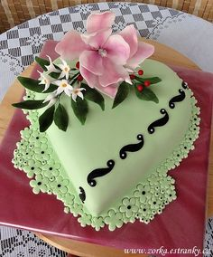 Discover thousands of images about Dorty, řezy, dobroty - Fotoalbum - MOJE DORTY - Moje dorty II Pretty Cakes, Cute Cakes, Beautiful Cakes, Amazing Cakes, Simply Beautiful, Heart Shaped Cakes, Heart Cakes, Cake Decorating Piping, Cookie Decorating