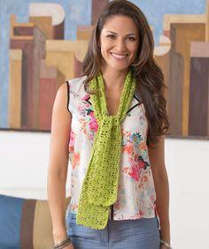Dainty Shells Scarf Crochet Pattern  #crochet  #redheartyarns