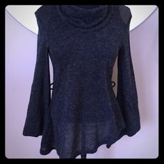 {{Double Zero}} Open Back • Cowl Neck Double Zero • Charcoal Gray • Cowl Neck • Open Back • Bell Flare Sleeves • Faux Leather Like Shoulder Detail • Size Small • Never worn, Never washed. Double Zero Sweaters Cowl & Turtlenecks
