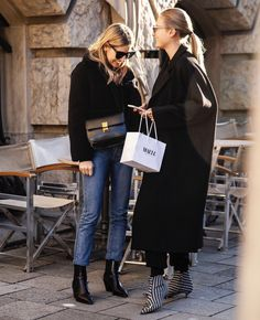 Winter Street Style Outfits To Keep You Stylish And Warm - Season Outfit Winter Mode Outfits, Winter Fashion Outfits, Warm Outfits, Black Women Fashion, Latest Fashion For Women, Autumn Fashion 2018 Street, Capsule Wardrobe, Facon, Mode Inspiration