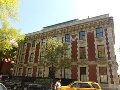 First Townhouse Unit Sells at the Amity Street Mansion