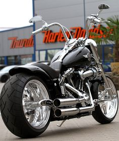 Here is a #Harley-Davidson Fat Boy customized by #Thunderbike. #www,nycfintessfamilyfinds.net