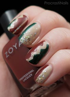 ProcrastiNails: 12 Days of Christmas Nail Art: Festive Red and Green Colour Blocking