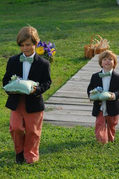 love these ring bearers