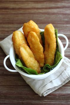 Pisang Goreng (Fried Bananas)—crispy, crunchy, and airy. Absolutely delicious!