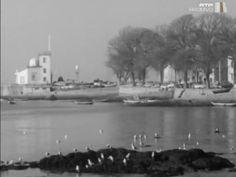 A localidade da Foz Velha, uma antiga vila pescatória na foz do rio Douro, onde muitos artistas e escritores viveram e trabalharam. Na Foz Velha teve o escultor Teixeira Lopes o seu atelier, nasceu e viveu o escritor Raúl Brandão, e trabalhou o escritor Antero de Figueiredo.