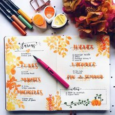 Inspiration for Autumn Bullet Journal pages. If you love bullet journaling, there are tons of amazing fall bullet journal ideas you can use on your cover pages, weekly & monthly spreads and calendar layouts. Bullet Journal Inspo, Bullet Journal Lettering, Bullet Journal Weekly Spread, Autumn Bullet Journal, Bullet Journal Halloween, Planner Bullet Journal, Bullet Journal Ideas Pages, Journal Pages, Journal Inspiration