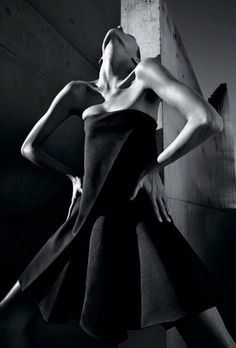 Anja Rubik by Mario Sorrenti  // High contrast in B