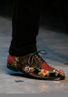 Twitter / dolcegabbana: Needlepoint embroidered shoes ...