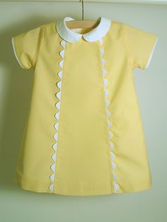 Vestido amarelo para menina