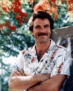 Tom Selleck in Hawaiian Print - Natural Vintage - For once the Hawaiian shirt isn't an eye sore! Unfortunately John needs an Hawaiian Shirt. Moustaches, Magnum Photos, Michigan, Hawaiian Print Shirts, Magnum Pi, Cinema, The Lone Ranger, Men's Toms, Blue Bloods