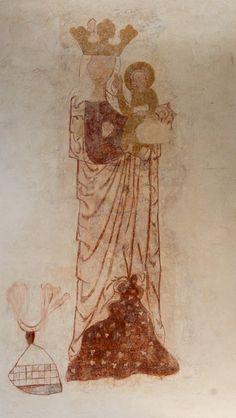 Mygdal kirke: Kalkmaleri ·Kalkmaleriet blev afdækket i 1974 og stammer fra 1300-tallet. Det forestiller Madonna med barnet. Hun bærer en krone som himmeldronning, mens han har glorie og har højre hånd løftet til velsignelse. Madonna med barnet findes ellers så godt som ikke i 1300-tallet.  Niels M. Saxtorph mener i Danmarks Kalkmalerier (1997), at det kan være af den samme maler, som har malet S. Kristoffer i Sct. Hans kirke i Hjørring.