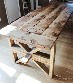 Farmhouse table plans & ideas find and save about dining room tables . See more ideas about Farmhouse kitchen plans, farmhouse table and DIY dining table Furniture Projects, Furniture Plans, Rustic Furniture, Diy Furniture, Farmhouse Furniture, Farmhouse Decor, Table Centerpieces For Home, Diy Dining Table, Diy Esstisch