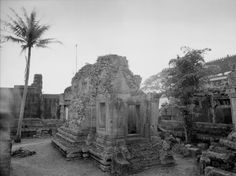 A small temple in the Phnom Chisor complex