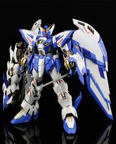 Gundam W Frozen Teardrop: Gundam Epyon White - Custom Build Modeled by myloveww Gundam Head, Gundam Wing, Japanese Robot, Gundam Build Fighters, Gundam Mobile Suit, Frame Arms Girl, Arte Cyberpunk, Gundam Custom Build, Cool Robots