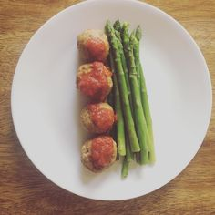 Turkey meatballs are becoming a staple for me lately. They're easy because I just make one big batch and freeze the rest. They're also husband approved  by amyeholland15
