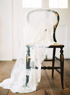 If your doing a veil....do a veil.  #wedding #veil Marissa Lambert Photography