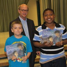 Architect Fred Reed with students at McGehee Elementary School during National Architecture Week