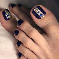 45 Best Nails Decorated with Nail Stickers 2019 nail stickers for toes nail stickers flowers nail stickers for french manicure nail stickers for acrylic nail stickers for toddlers nail stickers for gel nails Pretty Toe Nails, Cute Toe Nails, Toe Nail Art, Fancy Nails, Bling Nails, Trendy Nails, Nail Nail, Diy Nails, Pedicure Designs