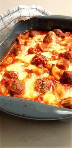 Ovenschotel met gehaktballetjes en groenten (koolhydraatarm) - GezondGezin.nu Low Carb Recipes, Cooking Recipes, Healthy Recipes, Cannelloni, Food Porn, Healthy Pumpkin, Kids Meals, Love Food, Food And Drink
