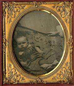Weird Children's Portraits from the 1800s