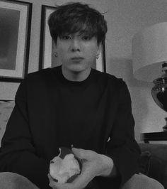 Foto Jungkook, Foto Bts, Maknae Of Bts, Kookie Bts, Busan, Bts Quiz Game, K Pop, Taehyung, Super Secret