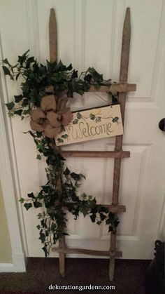 Tobacco Stick Welcome Ladder by – Porch Decorating Ideas 2020 – Kunsthandwerk – Crafts Dıy 2020 Home Crafts, Diy Home Decor, Diy And Crafts, Christmas Wreaths, Christmas Crafts, Christmas Decorations, Tobacco Sticks, Primitive Crafts, Country Primitive