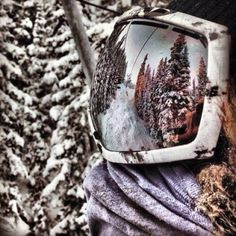 I just love these types of pictures! Maybe cause I want a pair of goggles like this!