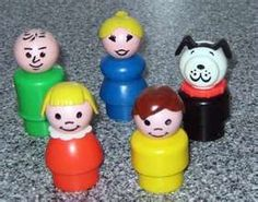 Fisher Price Little People. I used to use these people for the tree house too lol the blonde girl with blue was my favorite lol