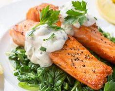 Papillotes de saumon au citron, sauce tartare légère : http://www.fourchette-et-bikini.fr/recettes/recettes-minceur/papillotes-de-saumon-au-citron-sauce-tartare-legere.html