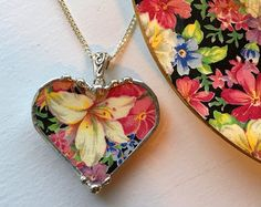Broken china jewelry heart pendant by dishfunctionldesigns on Etsy Jewelry Shop, Jewelry Stores, Jewelry Design, Jewelry Making, Jewellery Nz, Antique Jewellery, Heart Shaped Necklace, Heart Pendant Necklace, Design Creation