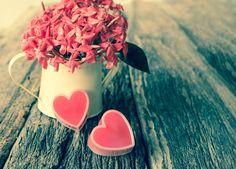 Caneca de flor e coração / jahsaude