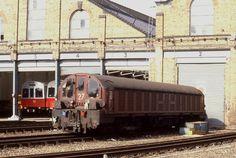 allsorts on raiulways uk and europe London Underground Train, London Transport, Electric Locomotive, Transportation, Around The Worlds, Europe, History, Karma, Diesel