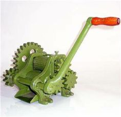 Manual Mill Sugar Cane Machine- hand crank + color