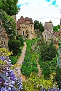 The medieval village Saint-Cirq-Lapopie in France. by Hercio Dias