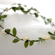 Corona Florecitas Blancas by BelandSoph.com   BelandSoph.com