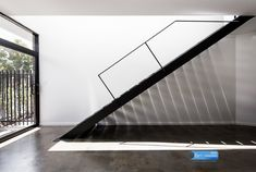 Image 7 of 23 from gallery of Triangle House / Robeson Architects. Photograph by Dion Robeson Residential Architect, Architect Design, Hyde Park, Urban House, Triangle House, Triangle Shape, Steel Stairs, Timber Deck, Small Hallways