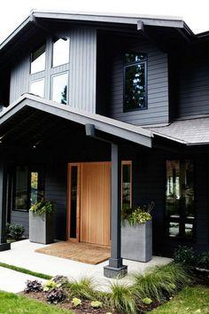 Black House Exterior6