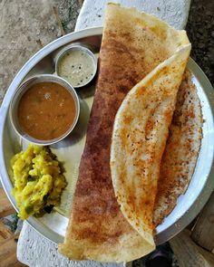 Indian Snacks, Indian Food Recipes, Kerala Food, Good Food, Yummy Food, Vegetarian Snacks, Desi Food, Indian Street Food, Food Snapchat