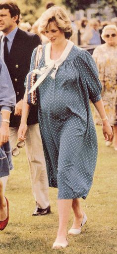 Princess Diana pregnant with Prince William. Pinned for BabyBump, the #1 mobile pregnancy tracker with the built-in community for support and sharing.