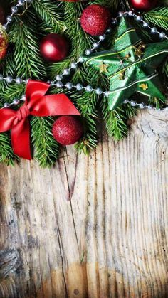 Christmas background wallpaper, christmas wallpaper for iphone, christm Winter Wallpaper, Holiday Wallpaper, Of Wallpaper, Mobile Wallpaper, Wallpaper Backgrounds, Christmas Wallpaper For Iphone, Noel Christmas, Winter Christmas, Christmas Ornaments